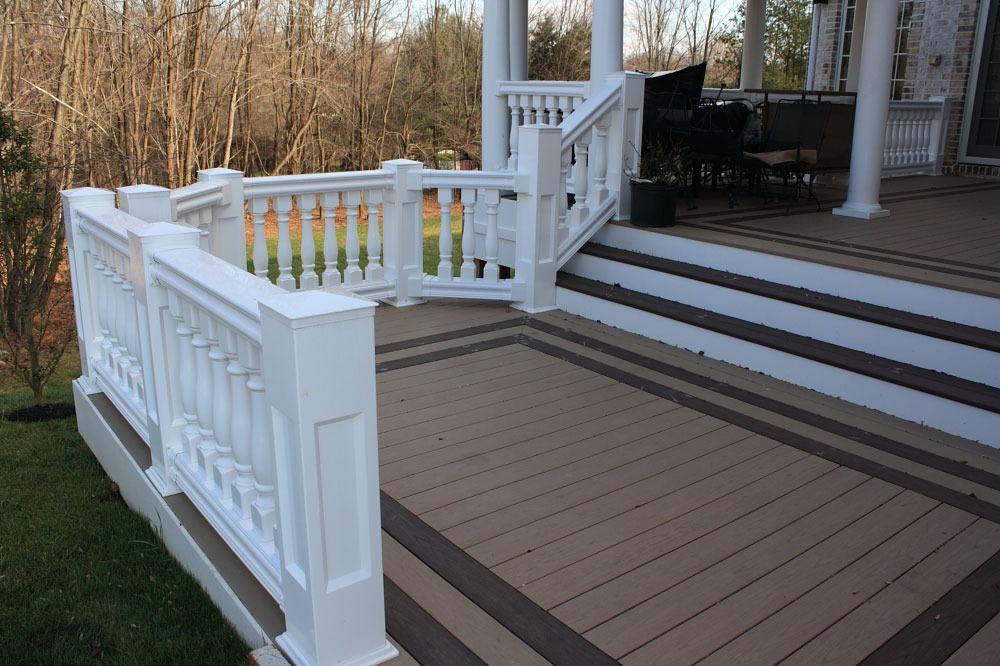 low-maintenance deck materiallow-maintenance deck material